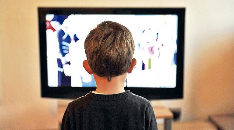 Comer delante de la pantalla