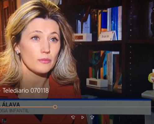 Silvia Álava - Niños y Regalos - Telediario TVE