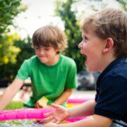 Niños Felices - ashton-bingham-SAHBl2UpXco-unsplash