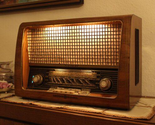 Consultorio radiofónico - maximilian-hofer-JKs8ZMyNj_E-unsplash