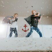 Niños en casa - allen-taylor-dAMvcGb8Vog-unsplash