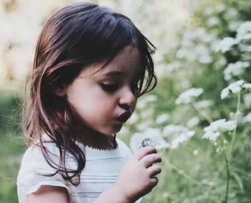 Explicar a los niños la pérdida de un ser querido - caroline-hernandez-g5NjiLFgYy8-unsplash