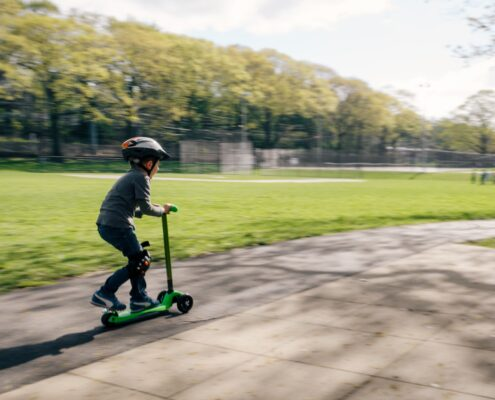Infancia actividad física y desarrollo emocional kelly-sikkema-tRgJCEqnuSc-unsplash