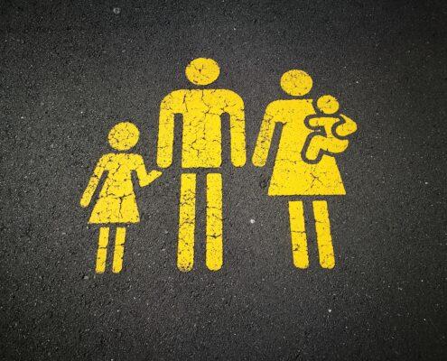 cómo y cuándo presentar una nueva pareja a tus hijos - sandy-millar-KhStXRVhfog-unsplash
