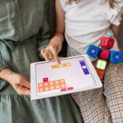 Cuadernos de refuerzo digitales - robo-wunderkind--_QpJv4J_AA-unsplash